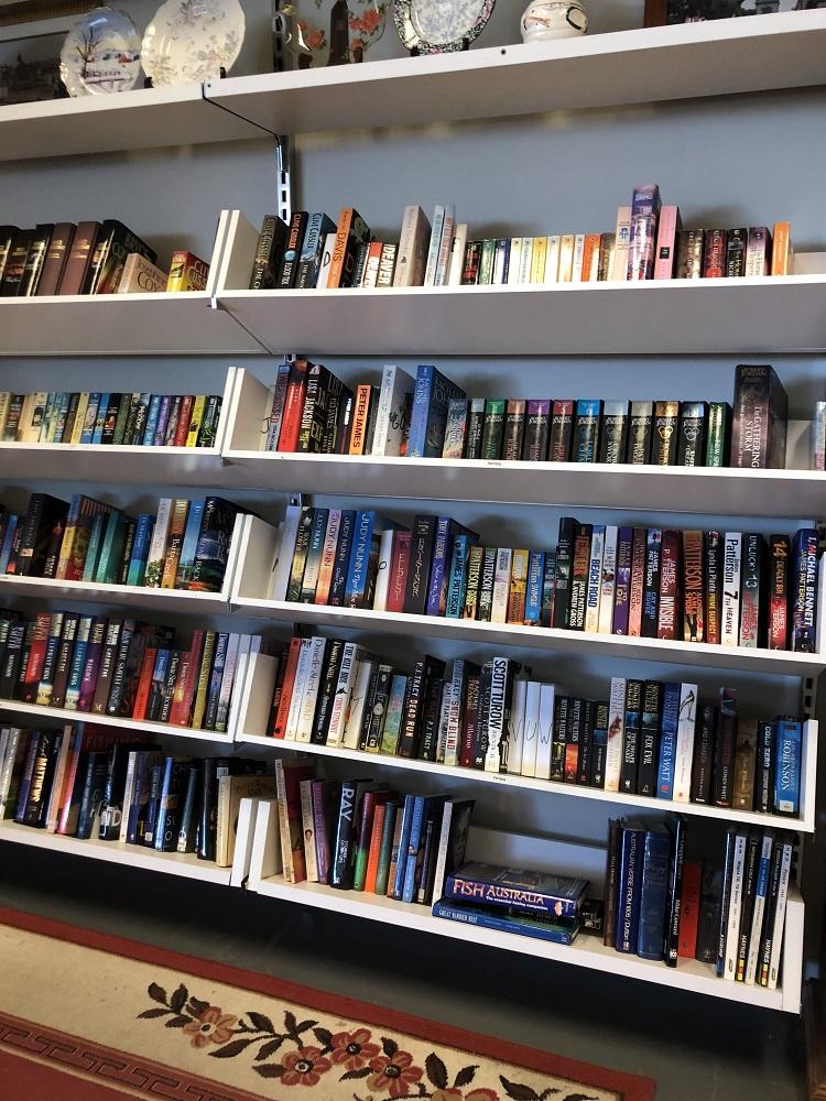 Salvos Op Shop Rothwell books